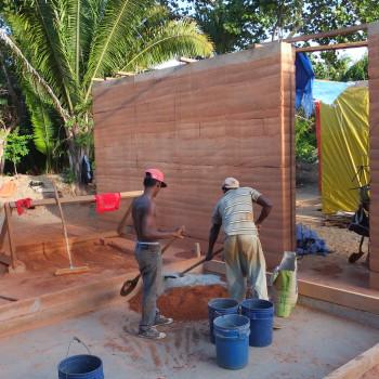 Construction murs en pisé (terre crue)