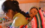 Bébé Inti avec sa maman