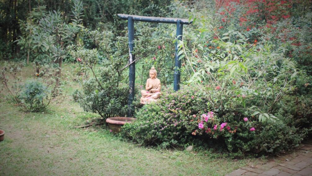 Statue, Namlang Himal