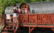 cabane tonneau ecôtelia gironde écologique