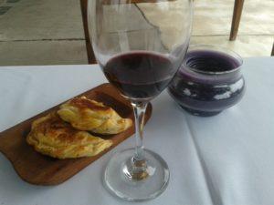 empanadas et vin argentin